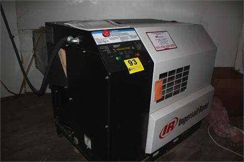 INGERSOLL RAND MODEL SS4-EP20 20 HP ROTARY SCREW AIR COMPRESSOR S/N JX4388U01331, WITH SOUND ENCLOSURE, 230/460 3 PHASE, METER SHOWS 2996 TOTAL HOURS, 235 LOADED HOURS